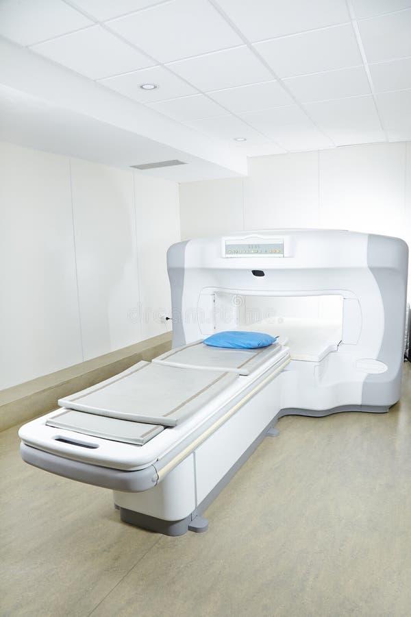 MRI-maskin i radiologi i sjukhus fotografering för bildbyråer