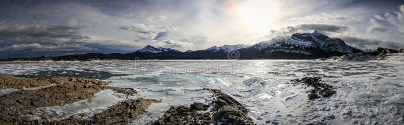 Mroźna panorama zamarznięty Abraham jezioro, kolumbia brytyjska, Kanada obrazy royalty free