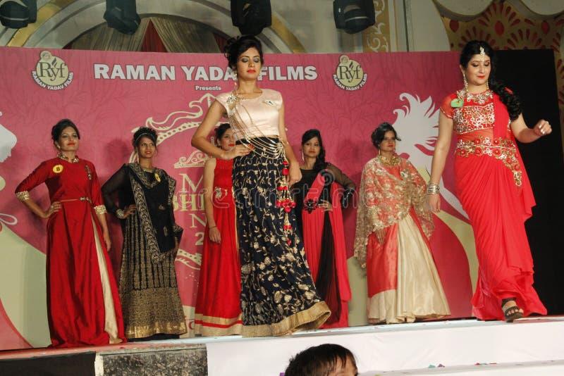 mrs Show för Bhiwadi NCR Faishon - Raman Yadav fotografering för bildbyråer