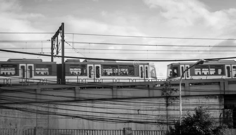MRT Филиппин проходя мимо стоковые изображения