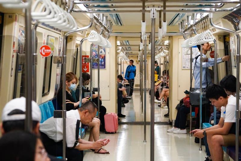 MRT della metropolitana in Taipei, dentro il trasporto fotografia stock libera da diritti