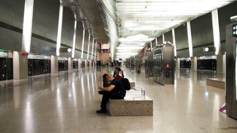 MRT no aeroporto Singapura de Changi imagens de stock