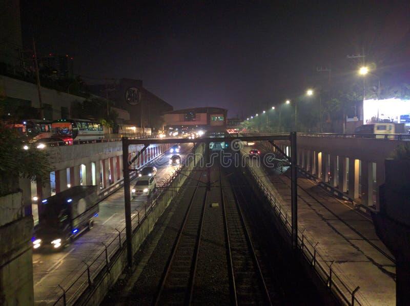 MRT pendant la nuit photos libres de droits