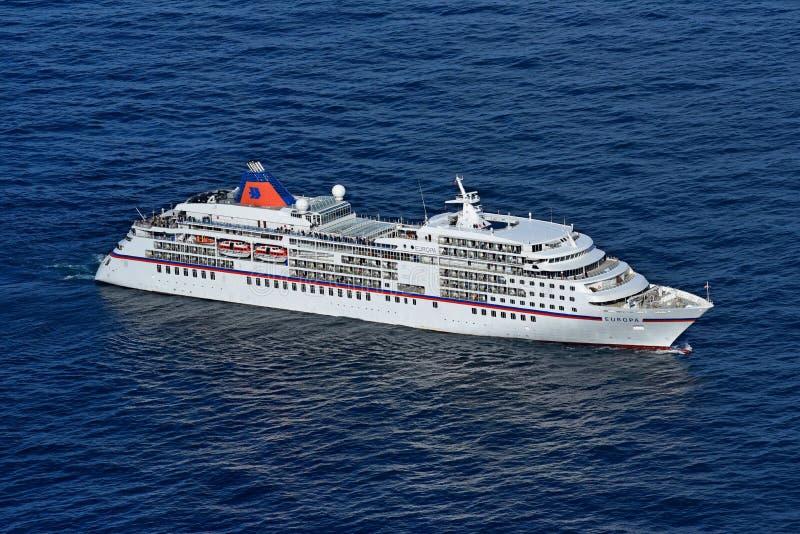MS Europa przy Norwegia Północnym przylądkiem zdjęcia stock