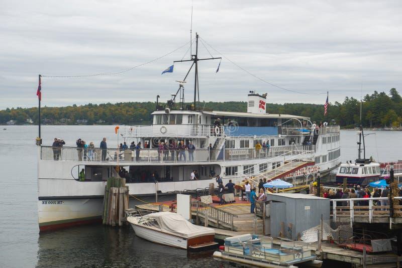MS g?ry Waszyngto?ski statek wycieczkowy w jazach Wyrzuca? na brzeg, NH, usa zdjęcie royalty free