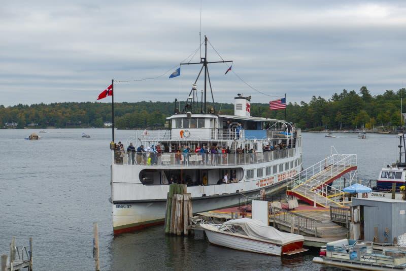 MS g?ry Waszyngto?ski statek wycieczkowy w jazach Wyrzuca? na brzeg, NH, usa zdjęcia royalty free