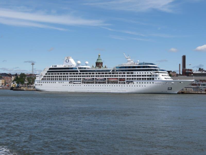 Ms Nautica som är cruiseferry i Helsingfors arkivfoton