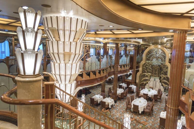 MS Queen Elizabeth do restaurante de Britannia fotos de stock