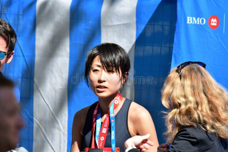 Ms Yuko Mizuguchi ha vinto il primo posto femminile al maraton di Vancouver fotografia stock libera da diritti