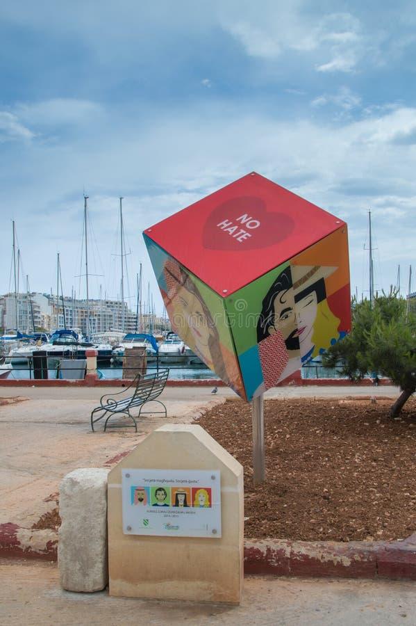 Msida, Malta - 11 de maio de 2017: Nenhum símbolo do ódio na cidade de Msida em Malta imagens de stock