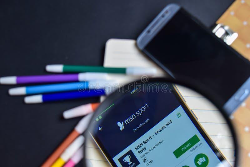 MSN-Sport - Scores en Stats App met het overdrijven op Smartphone-het scherm stock foto's
