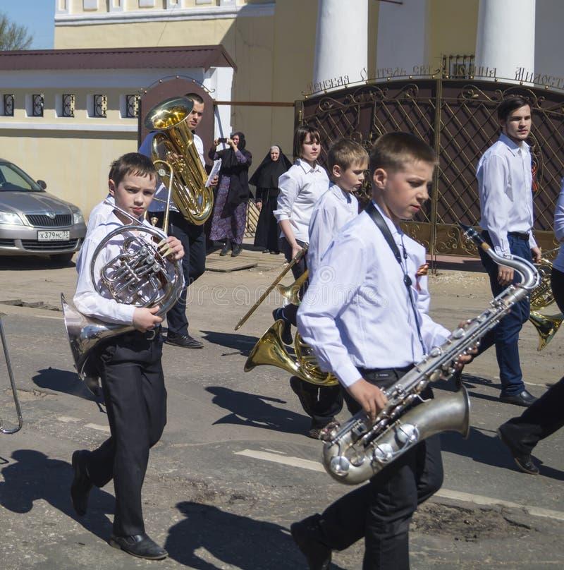 Mstyora, Russia-maggio 9,2015: Processione festiva in onore del giorno della vittoria fotografia stock libera da diritti