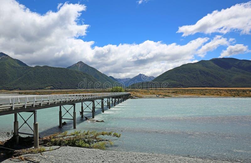 Mt白色桥梁 库存照片