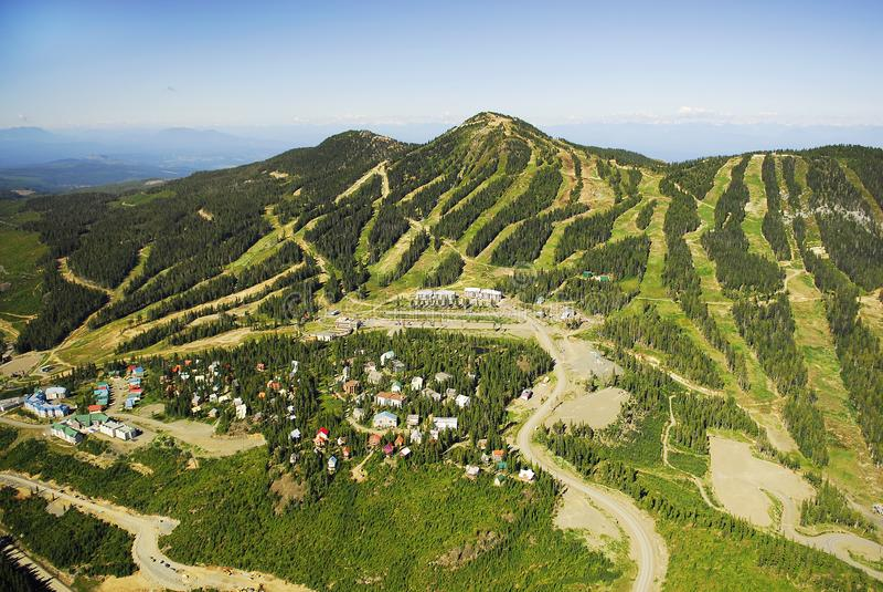 Mt的空中图象 华盛顿高山滑雪胜地, BC,加拿大 库存照片