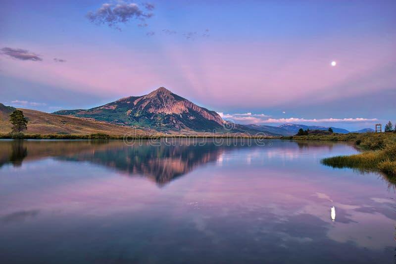 MT顶饰在科罗拉多,美国的秋季的小山 库存照片