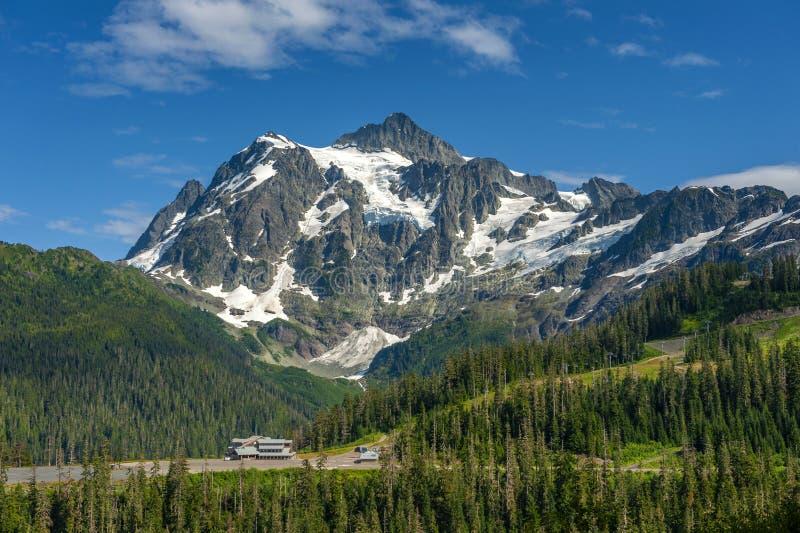 Mt. Área de esquí de Baker y Lodge White Salmon Day fotos de archivo libres de regalías