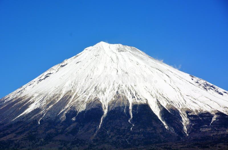 Mt 与雪的富士 免版税库存照片