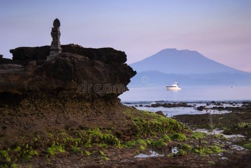 Mt Agung During una salida del sol preciosa en el continente Bali, Indonesia fotos de archivo libres de regalías