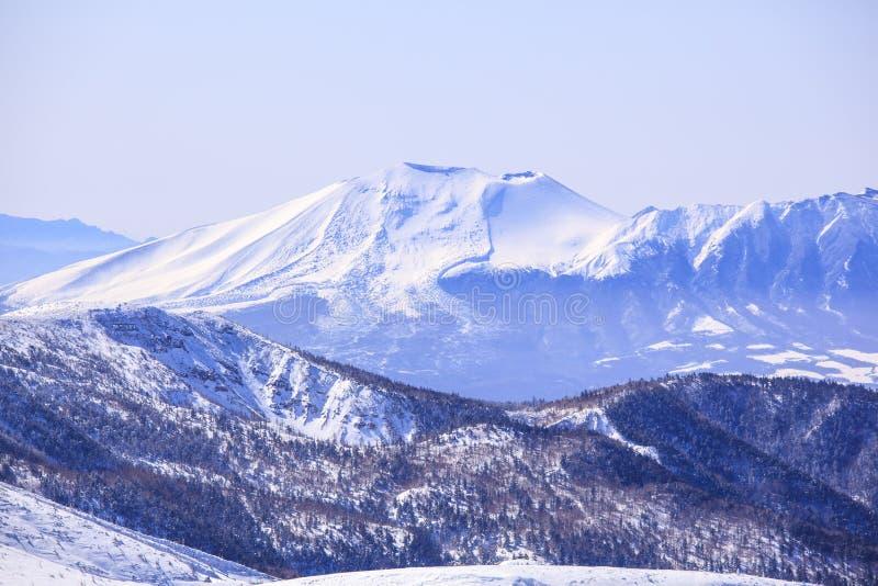 Mt Asama在冬天 免版税库存图片