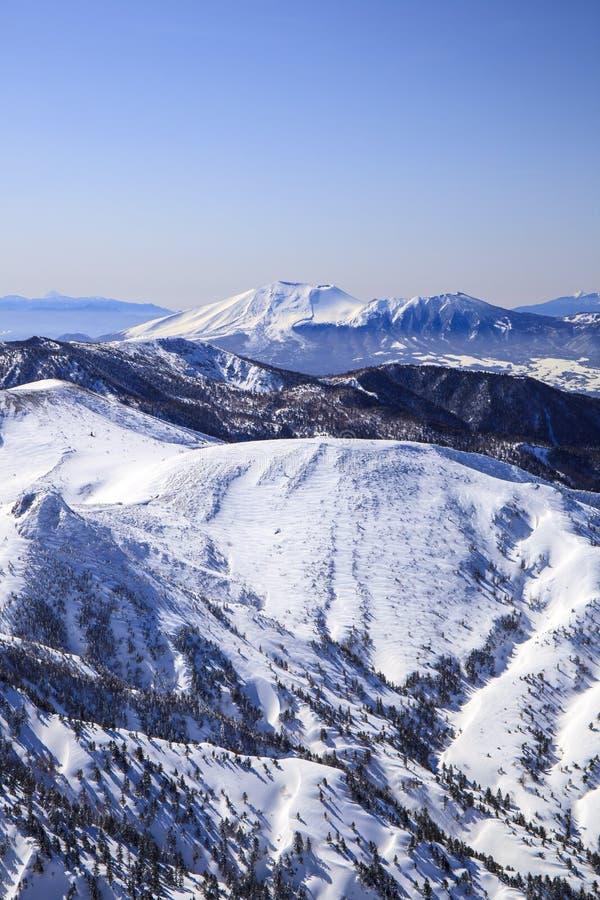 Mt Asama在冬天 库存图片
