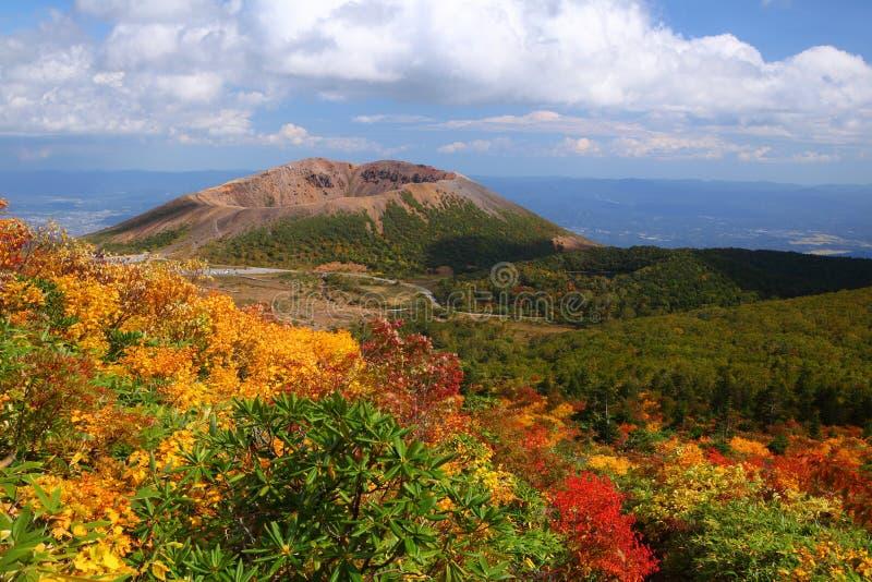 Mt. Azumakofuji van de gekleurde herfst royalty-vrije stock afbeeldingen