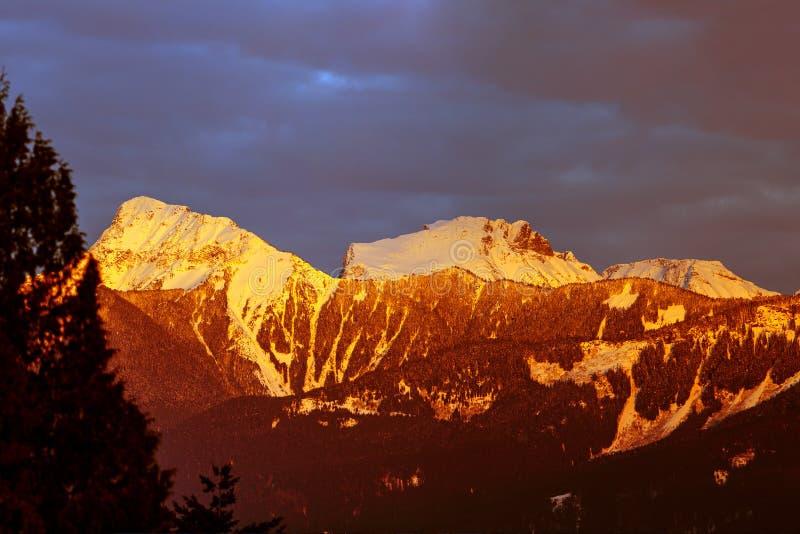 MT Cheam bij zonsondergang, Chilliwack, Brits Colombia, Canada stock afbeelding
