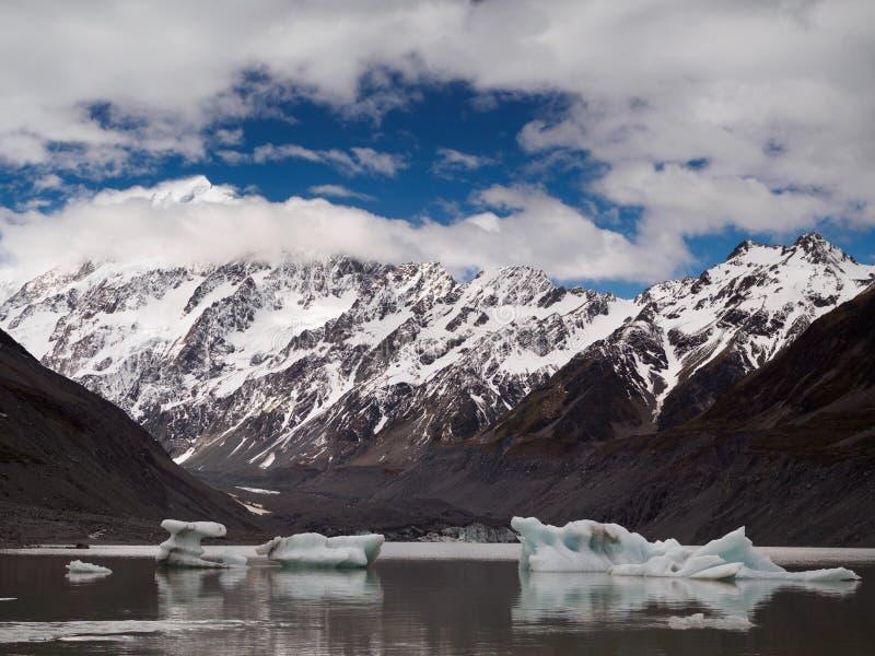 MT Cook van Hooker het Meer van de Valleigletsjer royalty-vrije stock foto's