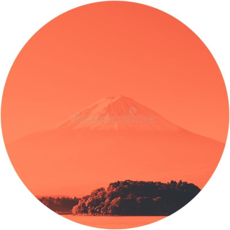 Mt Der Fujisan mit See Kawaguchi-Knock out lizenzfreie stockfotos