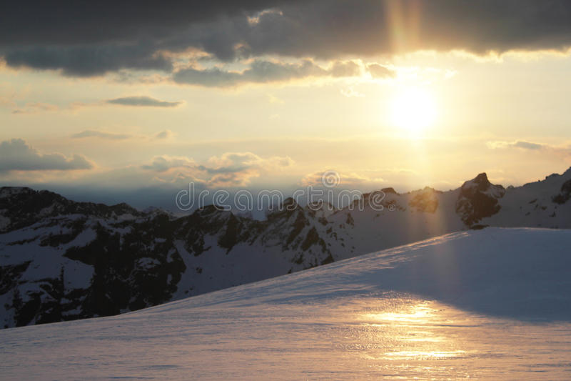 Download Mt Earnslaw 2 obraz stock. Obraz złożonej z zealand, śnieg - 53778223
