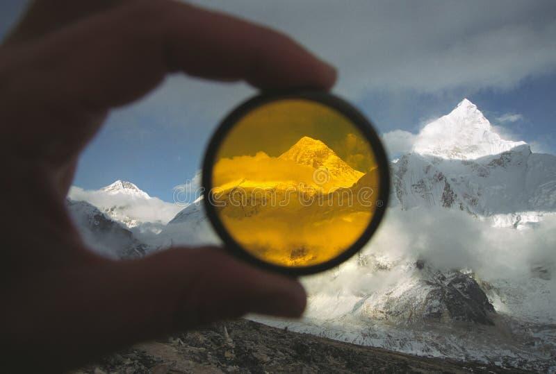 Mt. Everest dietro il filtro fotografie stock libere da diritti