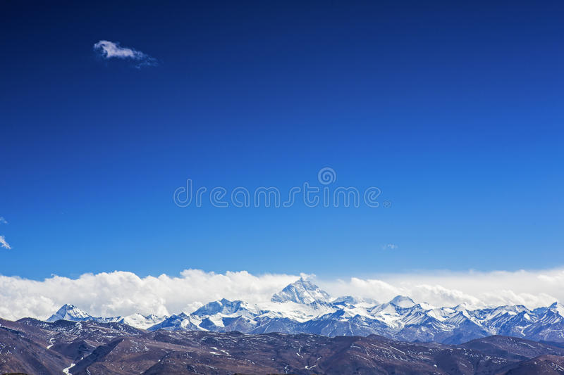 Mt. Everest and flannelette temple. Everest (Qomolangma) referred to Everest, but also Italian translation Everest, Nepal called Sacramento Mata Peak, also known stock photos