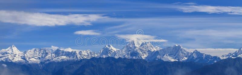 Mt everest som tas i nagarkot, Nepal arkivbild