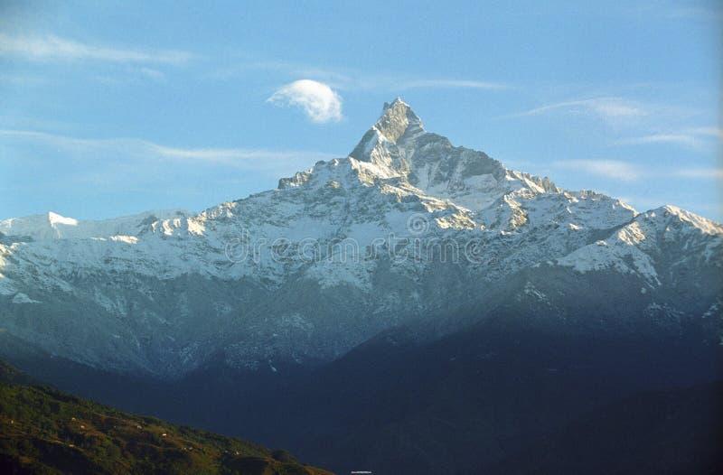 Mt.Fishtail nube-sta baciando immagine stock libera da diritti
