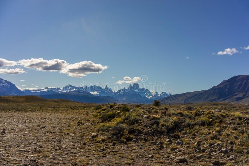 Mt Fitz Roy y Cerro Torre, montañas rugosas de la Patagonia la Argentina fotos de archivo libres de regalías
