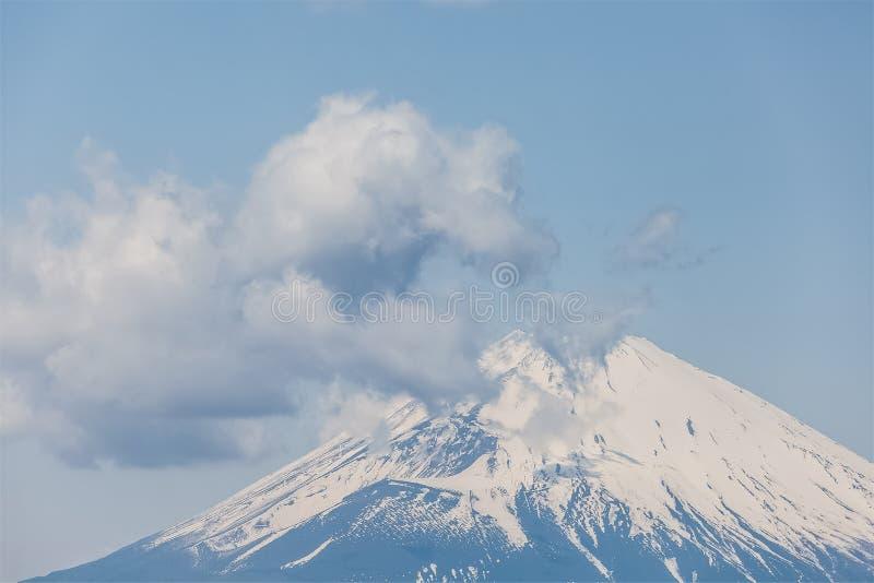 Download Mt fuji photo stock. Image du nature, blanc, japan, bleu - 87701650