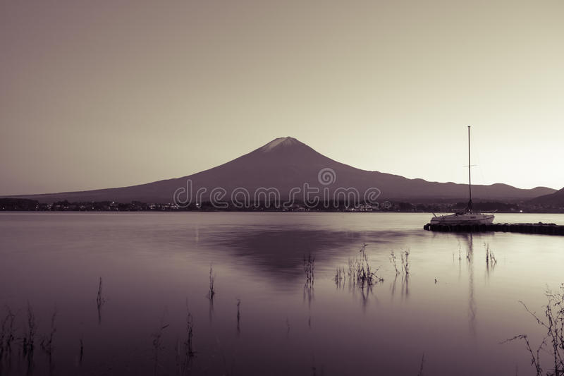 Download Mt fuji photo stock. Image du beau, tranquille, automne - 87701720