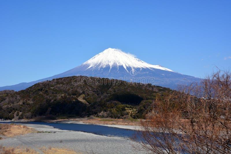 Mt Fuji com neve imagens de stock royalty free