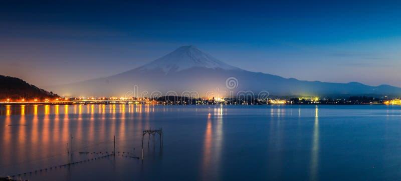MT Fuji in de avond royalty-vrije stock foto
