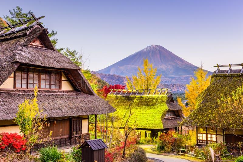 MT Fuji en Dorp royalty-vrije stock afbeelding