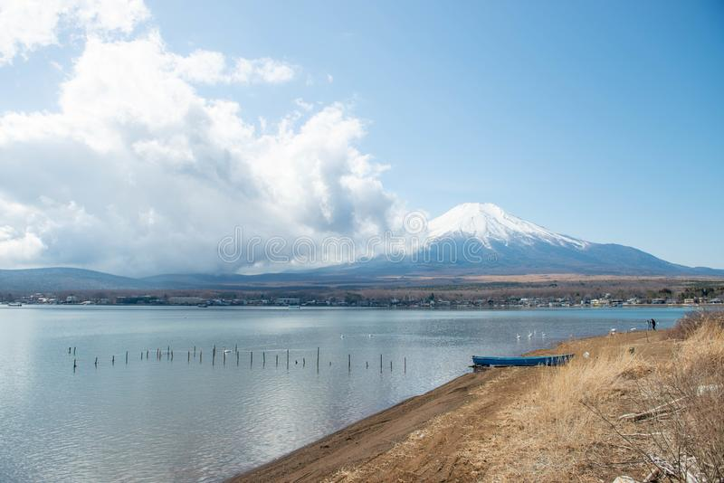 MT Fuji en Meer Yamanakako stock afbeelding