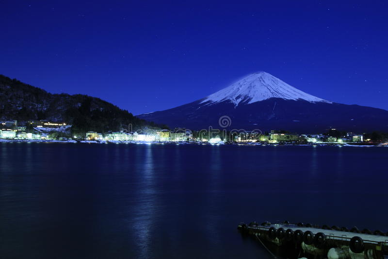 Mt.Fuji middernachtblauw stock foto