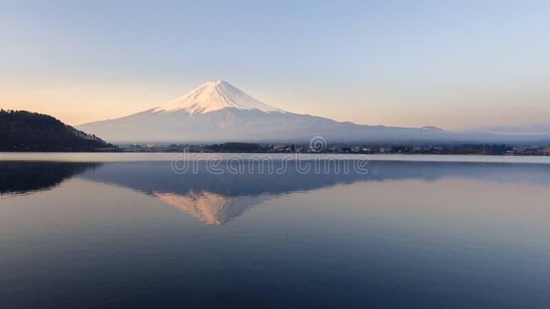 Mt Fuji nel primo mattino immagini stock libere da diritti