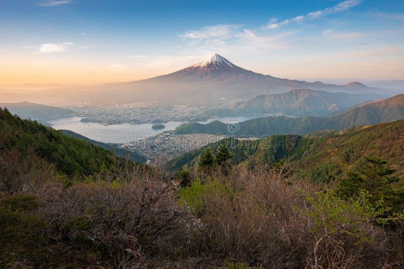 Mt Fuji no amanhecer imagem de stock