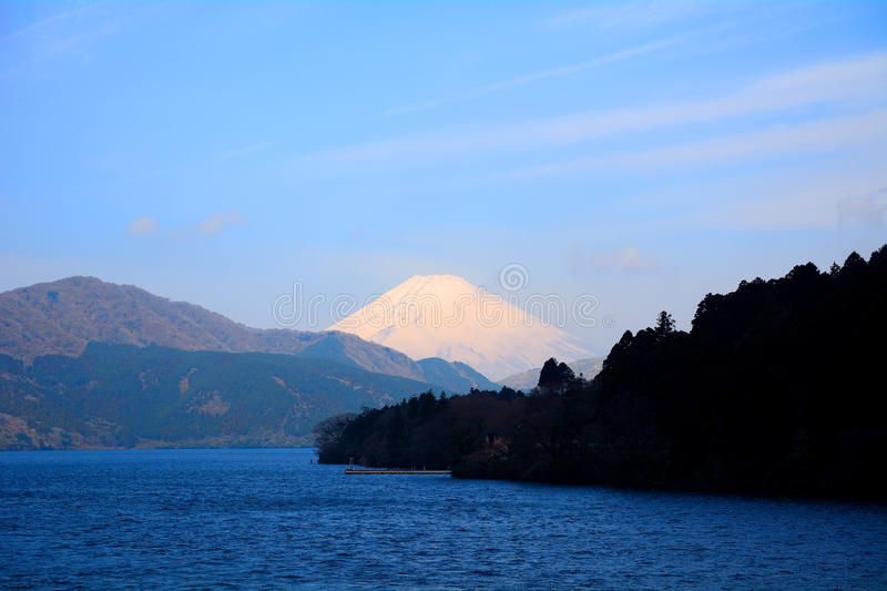 Mt Fuji und See Ashi, Japan stockfotos