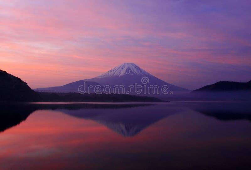 Mt. Fuji van de goedemorgen stock foto