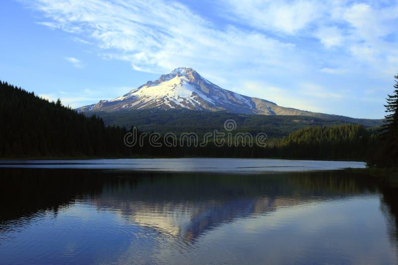 Mt. Haube u. Trillium See, Oregon. stockbilder