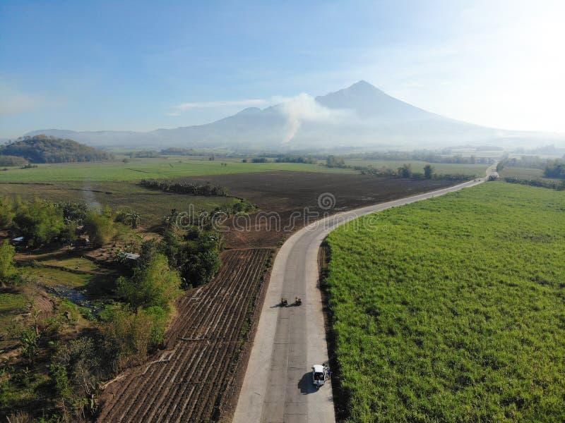 Mt Kanlaon,西内格罗省,菲律宾鸟瞰图  免版税库存图片