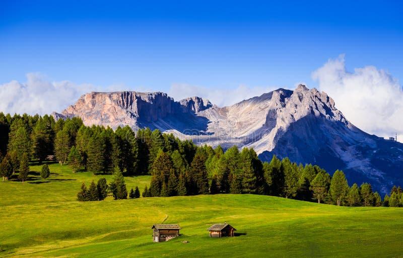 Mt Langkofel en la puesta del sol, Seiser Alm, dolomías, Italia imágenes de archivo libres de regalías