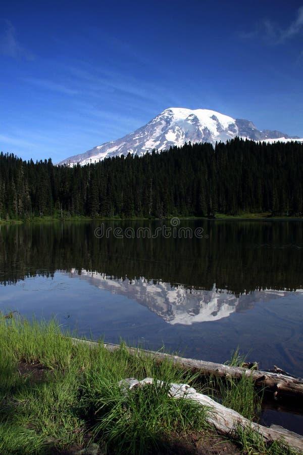 Mt más lluvioso imagen de archivo