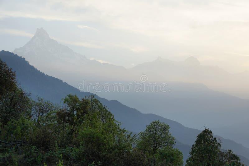 Mt Machapuchare视图在尼泊尔 图库摄影